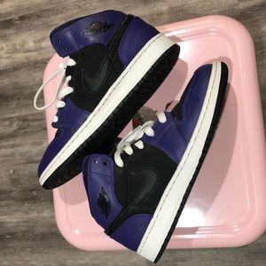 Air Jordan 1s shoes